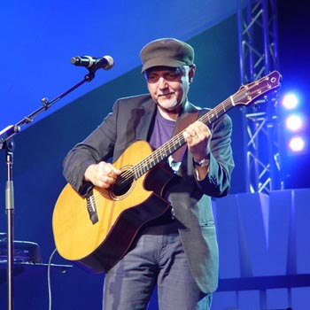Phil Keaggy, May 2005